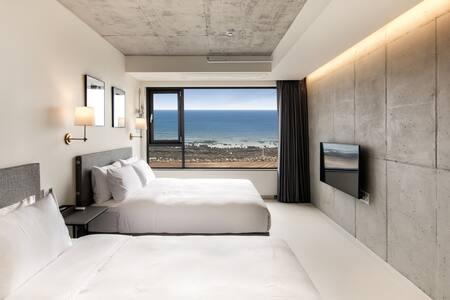 스놉(Snob Boutique Stay) Twin bed room