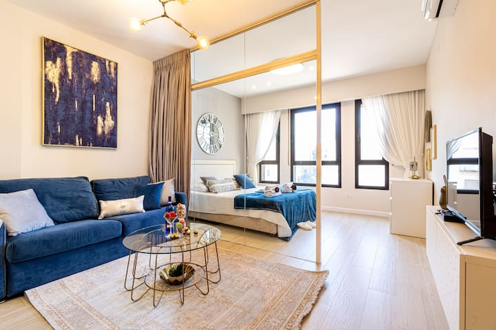 King David 2BDR/Pool/Parking in city center