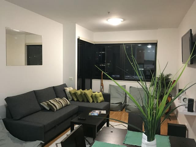 # In The Heart of Melbourne # - Stylish and Modern - Melbourne - Apartment