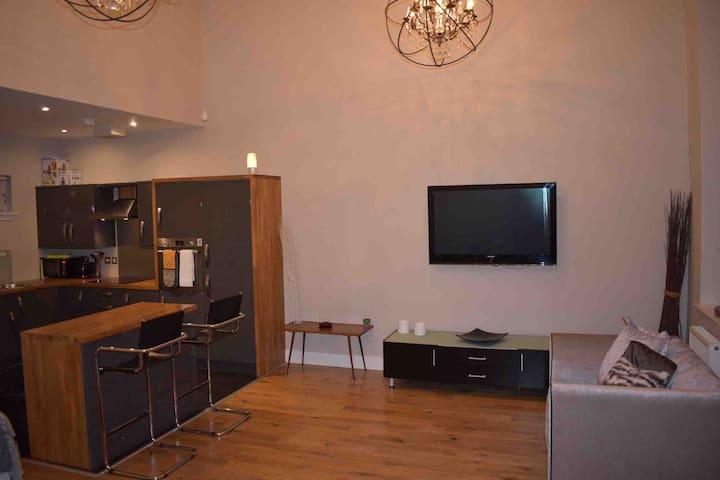 2 bedroom 2 bathroom luxury apartment - Glasgow