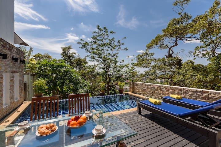 Villas in kathu for Donasea villas 7