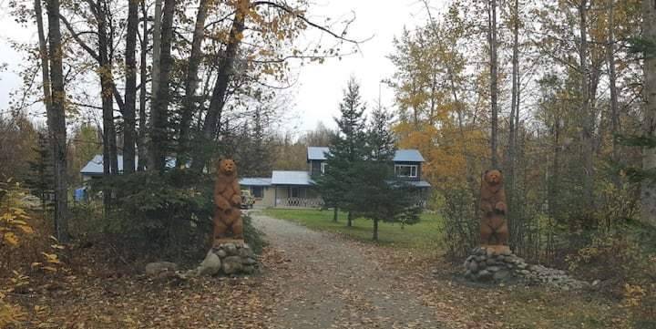 TWIN BEARS VACATION HOME - THE LAST FRONTIER