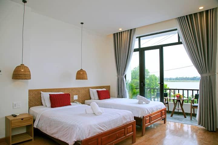 Twin room, river view-The Corner Riverside Villa