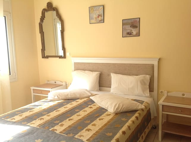 Cosy studio in Chania city by the sandy beach