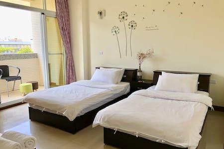 兩張單人床 Two twin beds