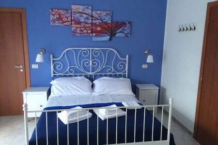 Villa Anna B&B Siracusa Blue Room - Arenella - Inap sarapan