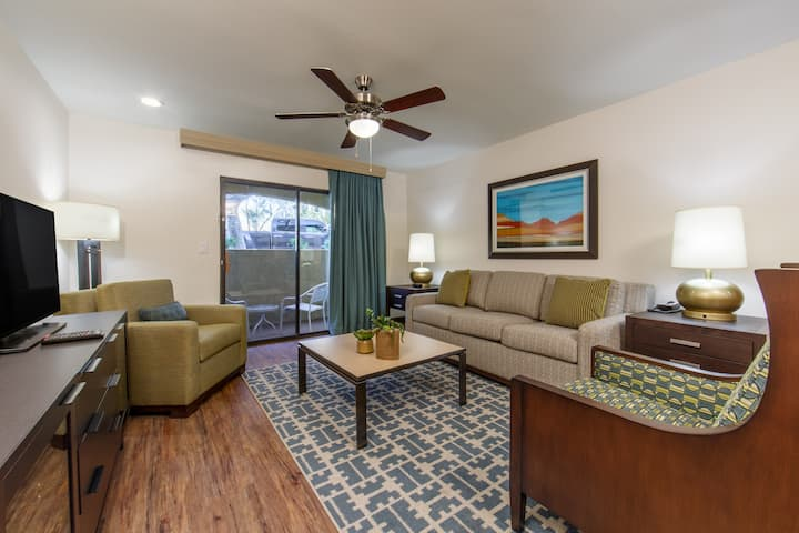 Air-Conditioning + Close to Golf Courses | Southwest Villa in Scottsdale