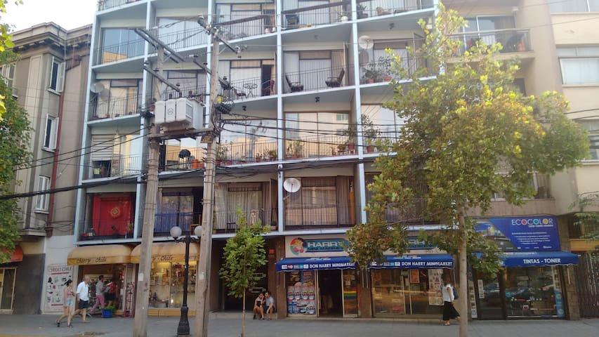 Amplia habitación en el Barrio Manuel Montt
