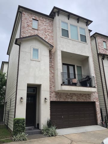 Private Unit in the Heart of Houston