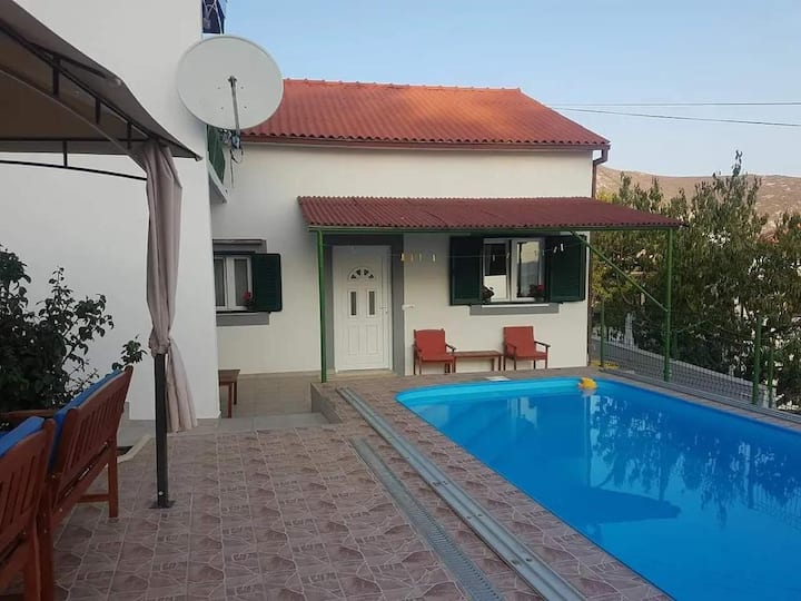VILLA TIM KLIS near Split with HEATED Pool