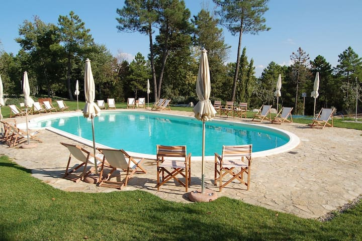 Cosy Holiday Home with Garden, Pool, Heating, Parking