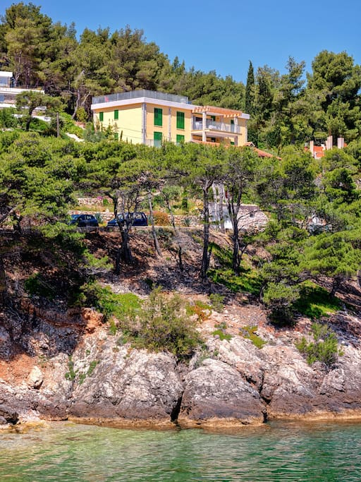 fantastic location - around 150 meter to the beach