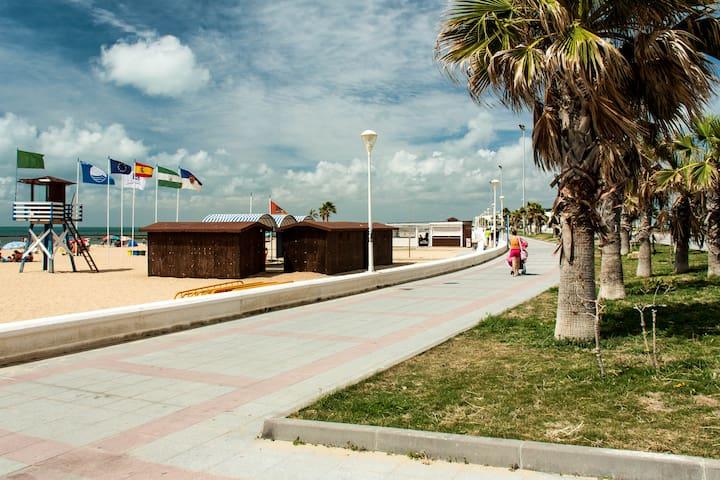 Piso en primera línea de playa - Chipiona - Pis
