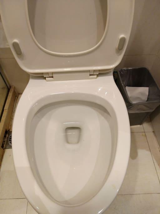 卫生间马桶