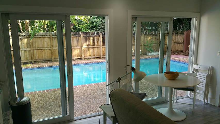 Close to beach-Downtown-Airport-Private Apt 3-Pool