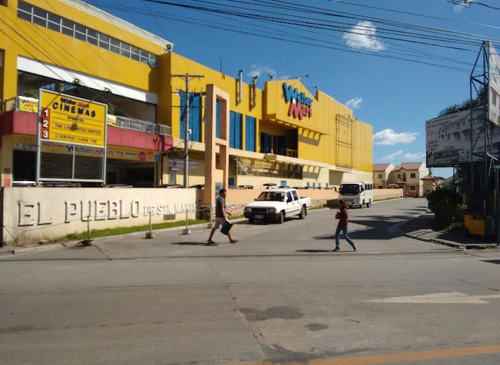 El Pueblo Townhouse Unit2 walking distance to Mall