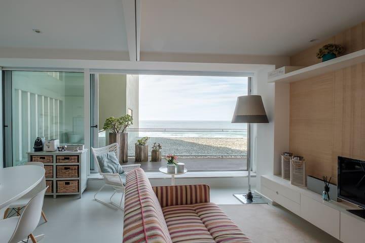 Beach Apartment  Luxury Spot