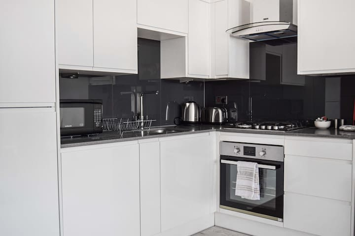 Morland House Hornchurch - 2 Bed Apartment