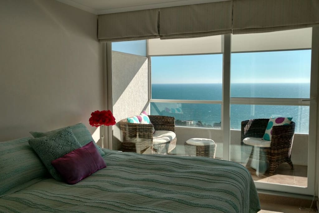 Habitación principal con vista al mar