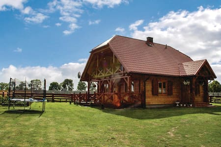 Holiday cottage with 4 bedrooms on 103m² in Swietajno