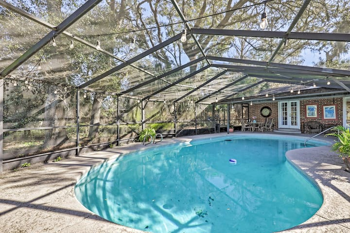 NEW! Pet/Fam-Friendly Jacksonville Beach Retreat!
