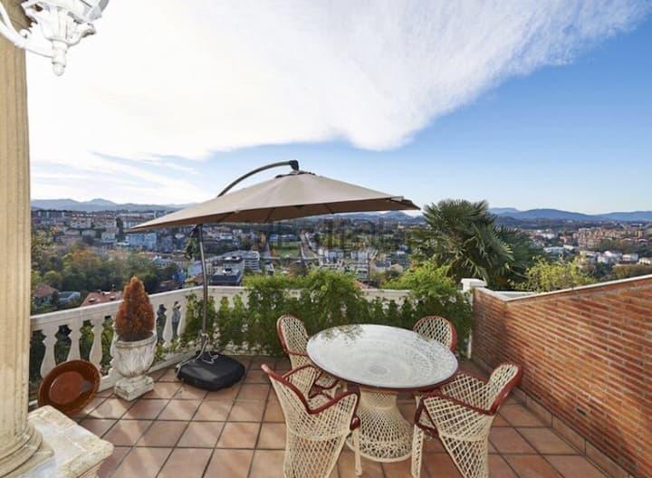 Private bathroom, private terrace, spacious villa.
