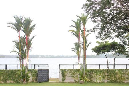 Serenity Lake Front Villa 4 BHK Villa, Colombo, SL - Moratuwa