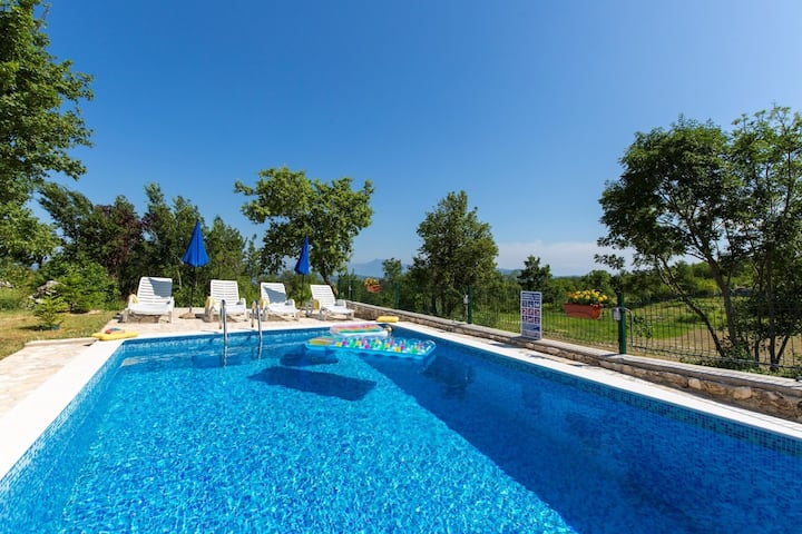 Holiday house Josip - private swimming pool: Labin, Istria