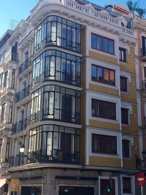 Edificio emblemático en el centro de Madrid