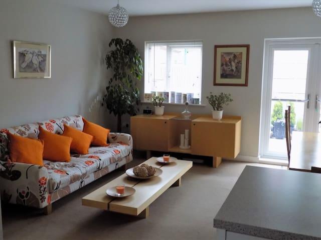 Double Room, sleeps 2,  £35. Single rooms, £25