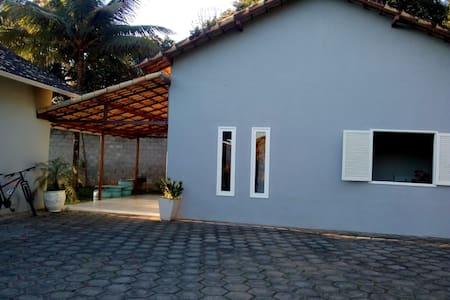 Casa em Carmo com quintal grande