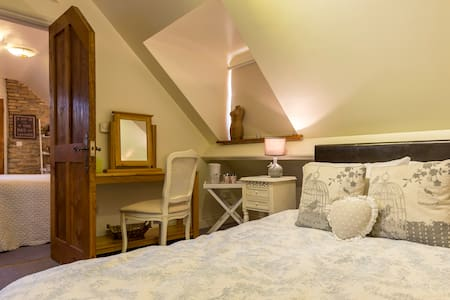 4- BB ROOM SLEEPS 4  NR BATH/FROME - Bed & Breakfast