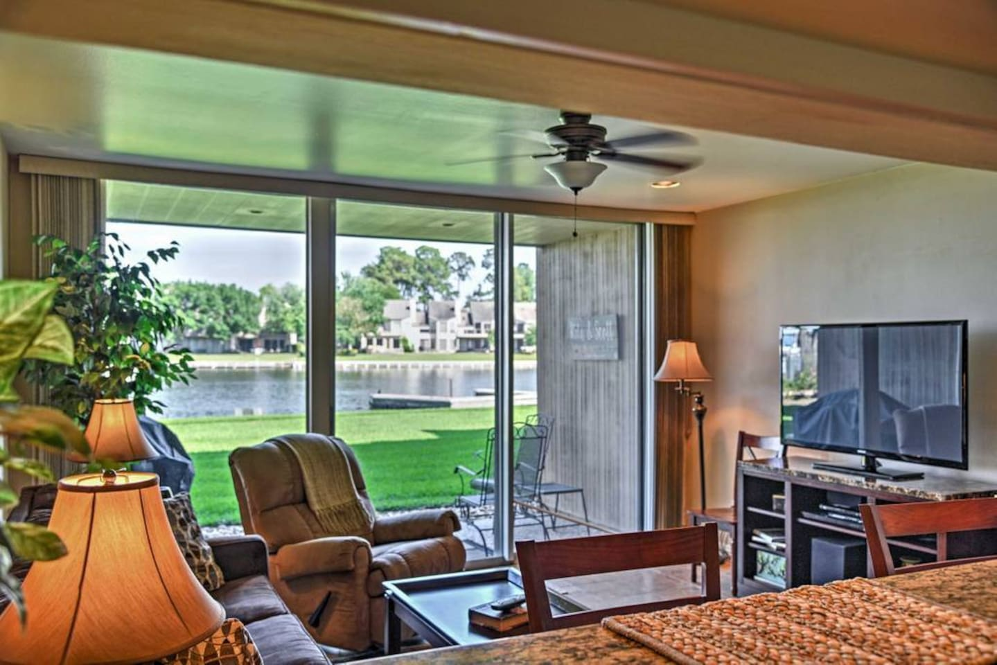 GROUND FLOOR!  QUICK ACCESS TO YOUR BOAT.  LARGE GRASSY AREA FOR ADDITIONAL LAWN CHAIRS, ALSO STEPS FROM COMPLEX POOL..