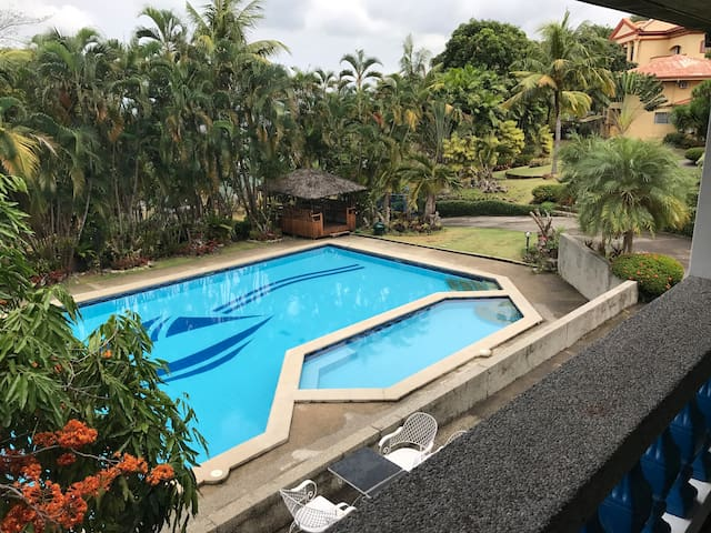 Villas w a pool a 3min stroll away from the beach
