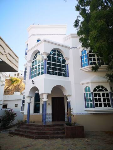 Villa for rent in qurum pdo