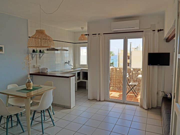 Bonito apartamento a 20m del mar