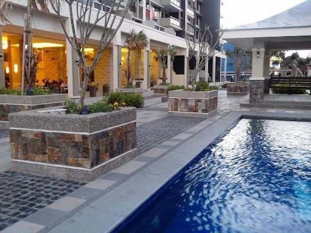 Manila affordable condominium with 50Mbps Internet - Mandaluyong