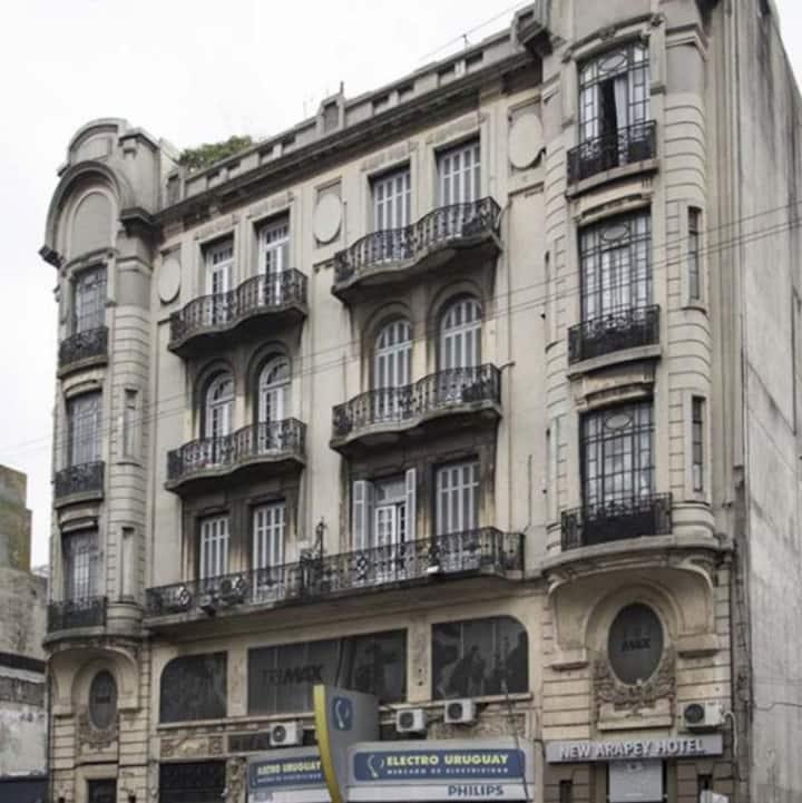 Hotel de 1920 reciclado, pleno centro de la ciudad