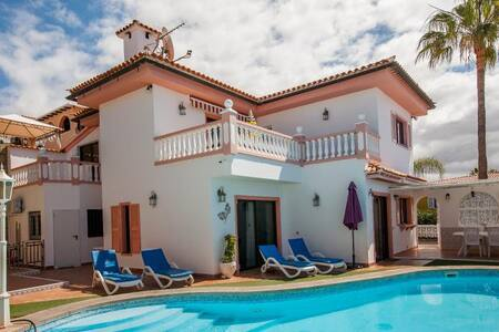 BEAUTIFULL VILLA WHIT PRIVATE POOL - Chayofa