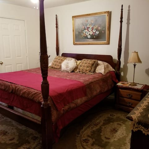 Enelra's Cozy Place Bedroom 1