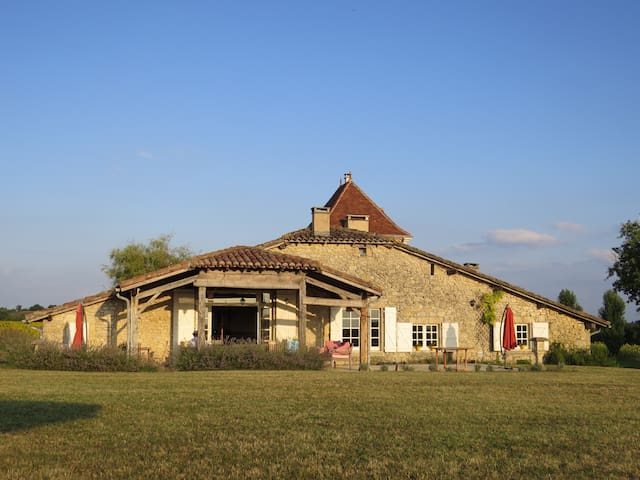 Beautiful authentic large villa - Mauroux - Vila