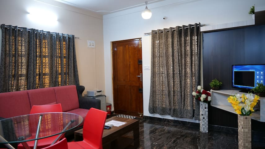 Fully Furnished 2 BHK,Luxury at a affordable cost