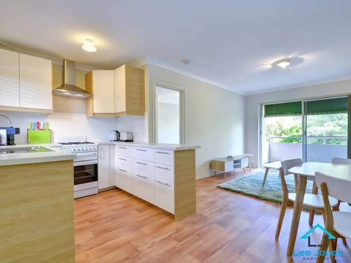 Superb Subiaco Nest - Perfect for 2
