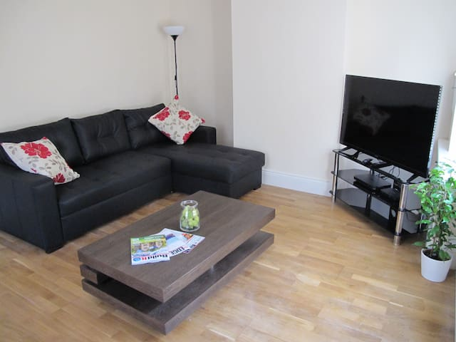 Fantastic 2 bed house, in the heart of the city