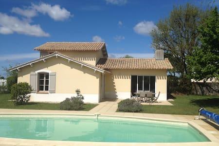 Villa avec piscine privée sur golf