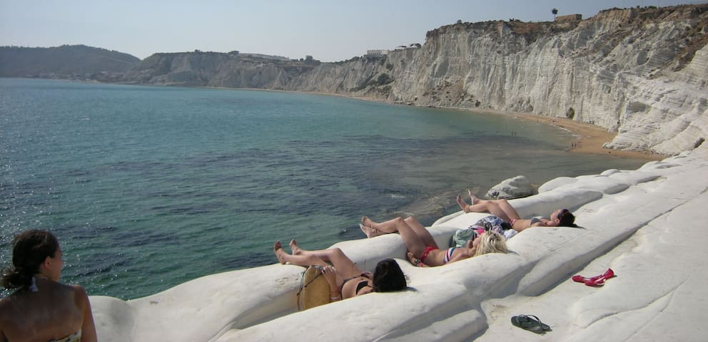 On the Scala dei Turchi 's beach - Punta Grande - Hus