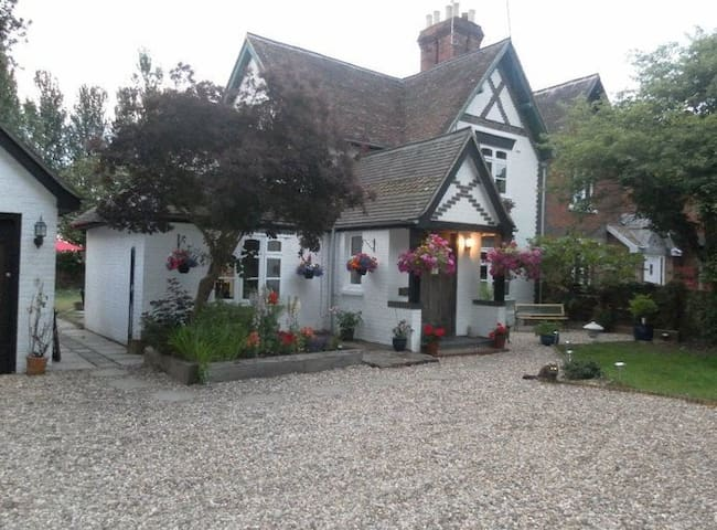 Oakside - John Walter Cottage