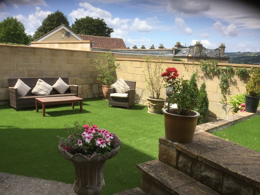 After a busy day sightseeing relax in your own self contained garden.  With views over the city.