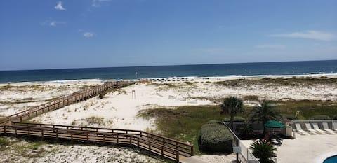 Beach Front 1BR - Amazing Views - Rebuilt & Ready