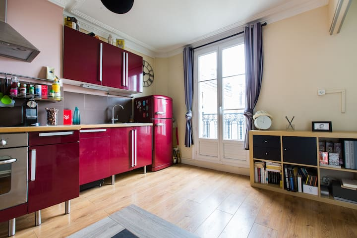 ★Beautiful 2-room flat, view on the Eiffel tower
